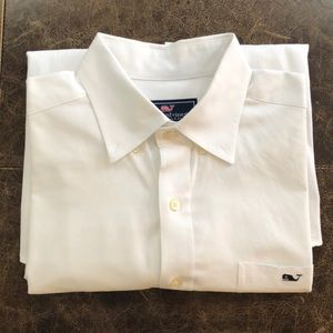 Vineyard Vines Large slim fit tucker shirt